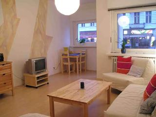 Vacation Apartment in Berlin-Schöneberg - 366 sqft, modern, central, quiet (# 1282) - Berlin vacation rentals