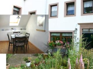 Vacation Apartment in Oberkail - 968 sqft, located in historically restored castle, beautifully furnished,… - Rhineland-Palatinate vacation rentals