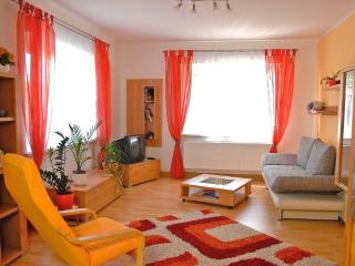 LLAG Luxury Vacation Apartment in Jena - 667 sqft, modern, clean, spacious (# 416) - Germany vacation rentals