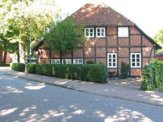 Vacation Apartment in Neustadt am Rübenberge - 969 sqft, spacious, affordable (# 1504) - Lower Saxony vacation rentals