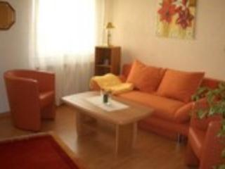 Vacation Apartment in Hürth - satellite TV, internet, parking space (# 1609) - Hurth vacation rentals