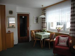 Vacation Apartment in Oberstdorf - 301 sqft, comfortable, central location, elevator (# 1817) - Oberstdorf vacation rentals