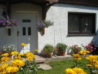 Vacation Apartment in Selb - 699 sqft, lots of amenities, central heating, computer with internet (#… - Selb vacation rentals