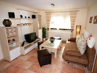 Vacation Apartment in Pulsnitz - 603 sqft, parking provided, outside terrace with grill (# 1330) - Pulsnitz vacation rentals
