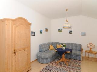 LLAG Luxury Vacation Apartment in Schwangau - 538 sqft, quiet, beautiful, relaxing (# 1440) - Schwangau vacation rentals