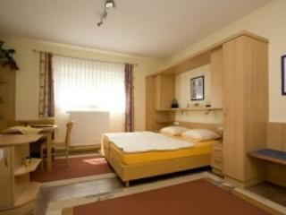 LLAG Luxury Vacation Apartment in Schwedelbach - 269 sqft, great surroundings, ample parking space (#… #1339 - LLAG Luxury Vacation Apartment in Schwedelbach - 269 sqft, great surroundings, ample parking space (#… - Schwedelbach - rentals