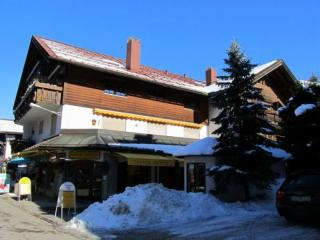 Vacation Apartment in Oberstdorf - 538 sqft, central, comfortable, parking lot (# 1990) - Oberstdorf vacation rentals