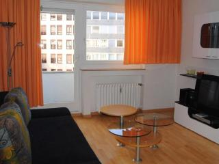 Vacation Apartment in Nuremberg - 334 sqft, modern, nice, quiet (# 1656) - Nuremberg vacation rentals