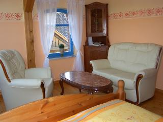 Vacation Apartment in Gernrode - 323 sqft, comfortable sofas, bathtub, spacious bed (# 647) - Quedlinburg vacation rentals