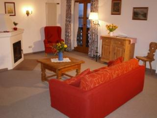 LLAG Luxury Vacation Apartment in Seehausen am Staffelsee - 969 sqft, clean, well-furnished, lots of… - Bavaria vacation rentals