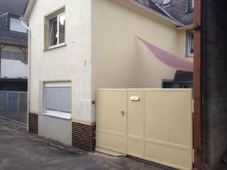 Vacation Apartment in Koblenz - 1292 sqft, spacious, parking and satellite TV available (# 1481) - Koblenz vacation rentals
