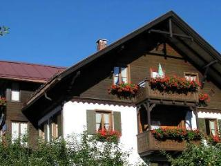 Vacation Apartment in Bad Hindelang - 721 sqft, beautiful, central, relaxing (# 974) - Bad Hindelang vacation rentals