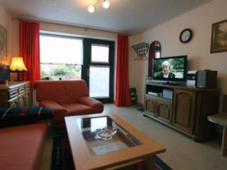 Vacation Apartment in Kranichfeld - 431 sqft, spacious and charming (# 1529) - Thuringia vacation rentals