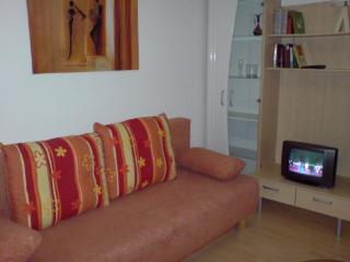Vacation Apartment in Cologne - modern furnishings, great location (# 1528) - Cologne vacation rentals