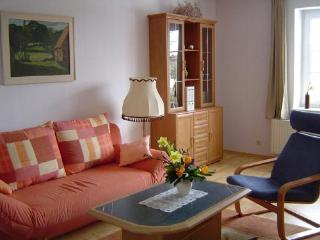 Vacation Apartment in Alt Tellin - 710 sqft, peaceful, lovely, relaxing (# 1421) - Demmin vacation rentals