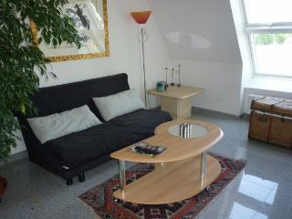 Vacation Apartment in Nuremberg - 431 sqft, clean, spacious, great views from balcony (# 1241) - Nuremberg vacation rentals