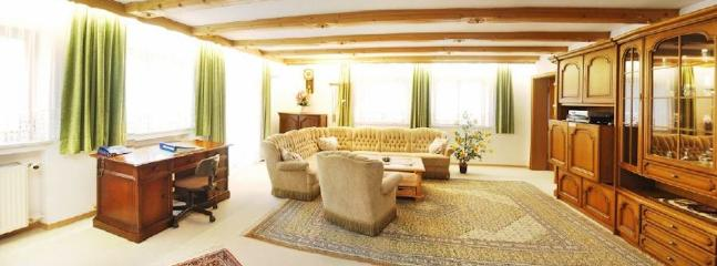 Vacation Apartment in Ruhpolding - 1098 sqft, central, charming, tasteful (# 1714) #1714 - Vacation Apartment in Ruhpolding - 1098 sqft, central, charming, tasteful (# 1714) - Ruhpolding - rentals