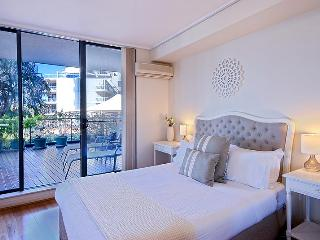 Smart, Stylish & Tranquil Apart, Water Views,BC - Sydney Metropolitan Area vacation rentals
