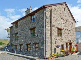 RACESIDE COTTAGE, pet friendly, country holiday cottage, with a garden in Kirksanton, Ref 8849 - Kirksanton vacation rentals