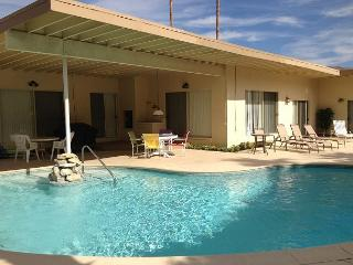Chi Chi House ~ Special - Take 20% off 5 Nights thru 8/28! - Palm Springs vacation rentals