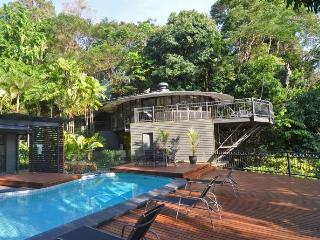 The Red Arrow Lodge, sleeps 13, sea views, pool - Cairns District vacation rentals