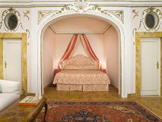 PALAZZO ANTELLESI | Furnished Apartment | Alcove - Florence vacation rentals