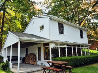 Nestled Hideaway - McHenry vacation rentals
