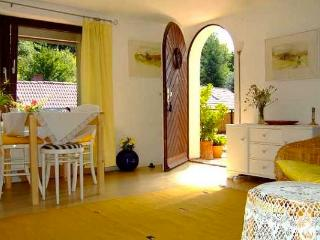 Vacation Apartment in Würzburg - quiet, nice, central location (# 2163) - Hausen b. Würzburg vacation rentals