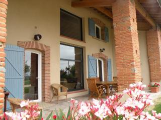 Gite with panoramic view - Near Toulouse - Midi-Pyrenees vacation rentals
