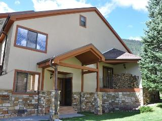 Sundial Townhomes #5 Great spacious 4 bedroom + den 3 bath home in East Vail - Vail vacation rentals