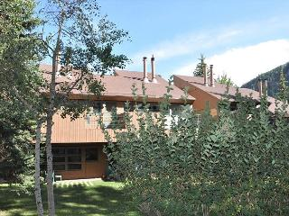 Great location - two bedroom condo close to hot tub and pool in East Vail. - Vail vacation rentals