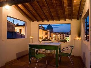 Your cosy roof top home away from home in S.Croce - Florence vacation rentals