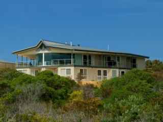 Kangaroo Island luxury - Island Beach Lodge - South Australia vacation rentals