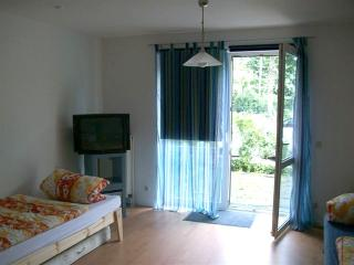 Vacation Apartment in Cologne - 312 sqft, modern, central location (# 391) - Cologne vacation rentals