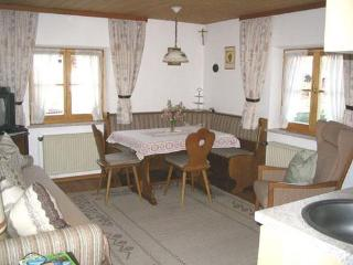 Vacation Apartment in Bad Bayersoien - 409 sqft, rustically and completely furnished (# 1618) - Garmisch-Partenkirchen vacation rentals