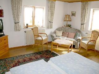 Vacation Apartment in Bad Bayersoien - 344 sqft, rustically and completely furnished (# 1617) - Garmisch-Partenkirchen vacation rentals