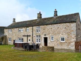 NORTON VIEW FARM, family friendly, luxury holiday cottage, with hot tub in Hetton, Ref 6741 - North Yorkshire vacation rentals