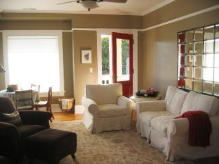 Elegantly Restored-Hawthorne Dist-5min to Downtown - Portland vacation rentals