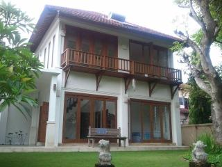 Sanur villa (3 br), privacy 'n nature, near beach - Sanur vacation rentals