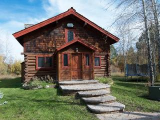 Picturesque Custom Log Cabin - Wilson vacation rentals