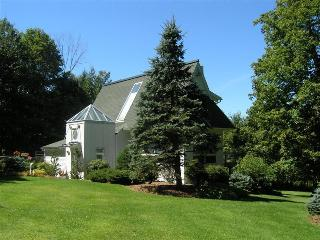 Serenity Stowe:Elegant Modern Home,Pool,Min to ski - Stowe Area vacation rentals