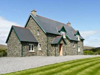 KILTYMON COTTAGE, family friendly, with a garden in Bantry, County Cork, Ref 10889 - County Cork vacation rentals