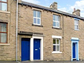 THE LITTLE HOUSE, pet friendly, country holiday cottage, with a garden in Skipton, Ref 10624 - Skipton vacation rentals