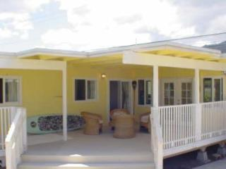 The Yellow House, Waialua - Waialua vacation rentals