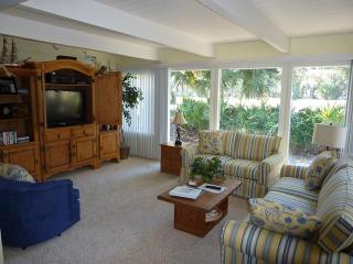 17,SEAPINES Golf Dis,WiFi,Beach,Bikes,Pet OK,Tennis - Sea Pines vacation rentals