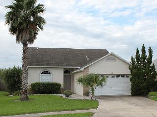 Excellent vacation home with private pool, flat screen TV and free Wi-Fi. - Kissimmee vacation rentals