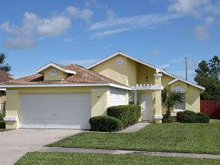 Great vacation home near Disney, private pool, flat screen TV and free Wi-Fi - Kissimmee vacation rentals