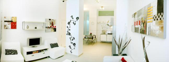 FANTASTIC APARTMENT!!! Beautifull and Espacious 2 bedrooms Apartament in Málaga  city center - Image 1 - Malaga - rentals
