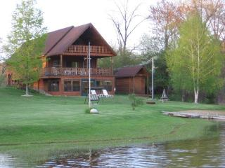 W. W. Lakehouse Lodge - Northwest Michigan vacation rentals