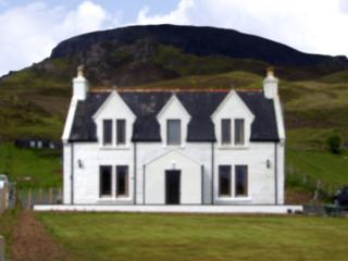 DIGG, family friendly, country holiday cottage, with open fire in Digg, Ref 4147 - The Hebrides vacation rentals